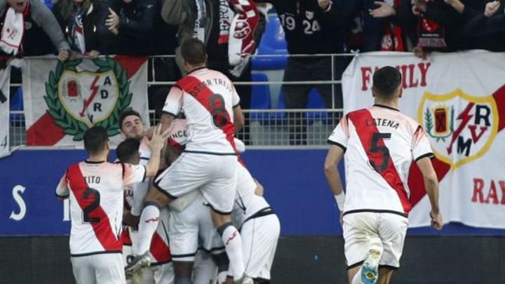 0-2. Un doblete de Pozo permite respirar al Rayo ante el Huesca