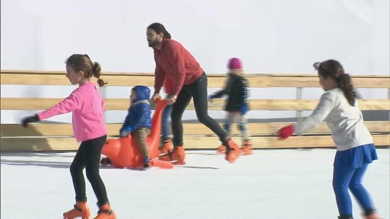 Patinaje sobre hielo en Matadero, diversión para niños y mayores