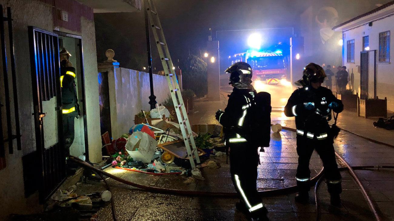 Incendio en una vivienda de dos plantas en Serranillos del Valle