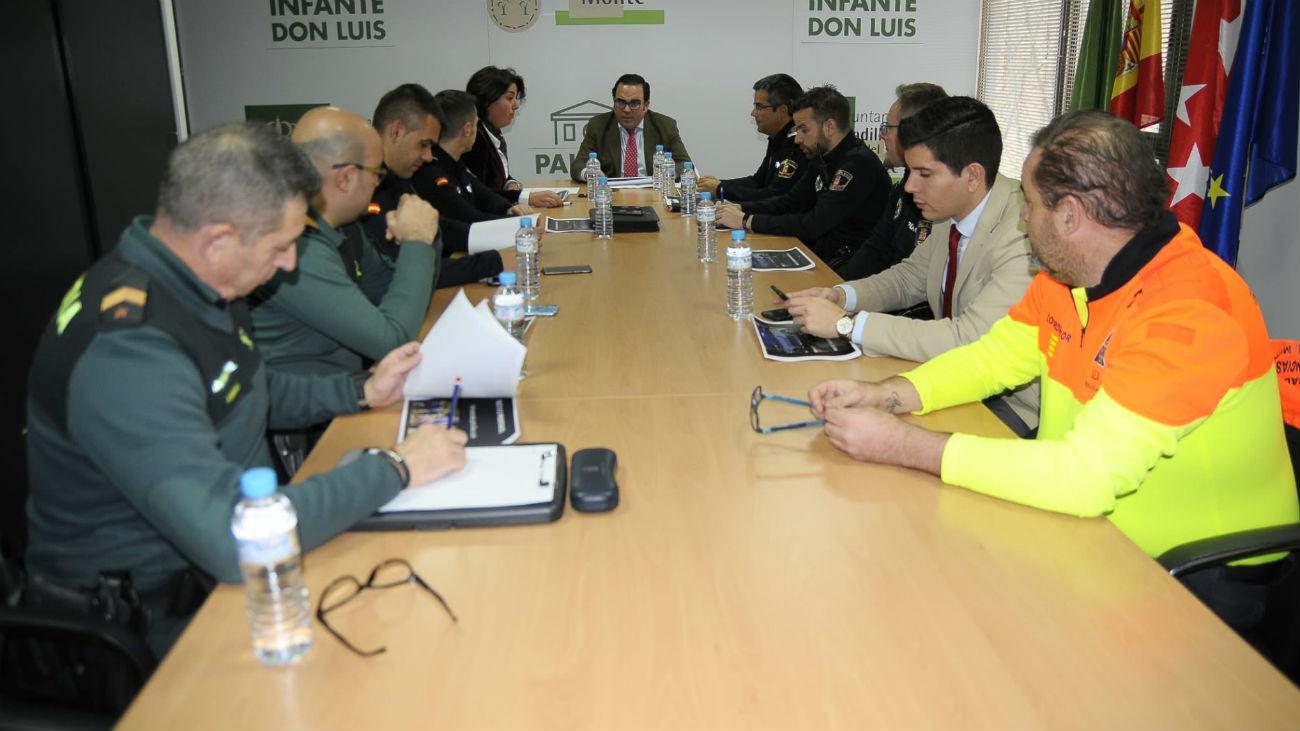 Reunión en Boadilla de Policía Nacional, Guardia Civil, Policía Local y  Protección Civil