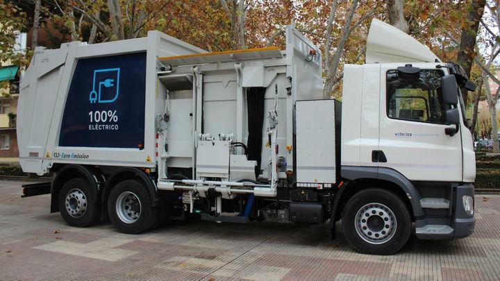 Alcalá de Henares estrena el primer camión de basura 100% eléctrico de España