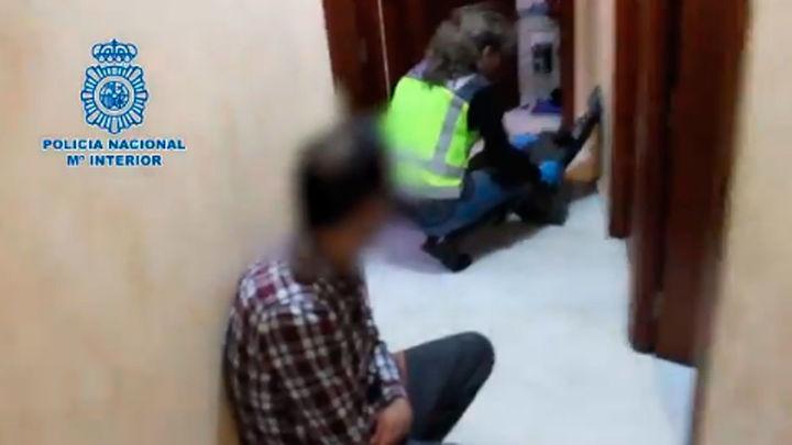 Detenidas cuatro personas que formaban una red de matrimonios de conveniencia