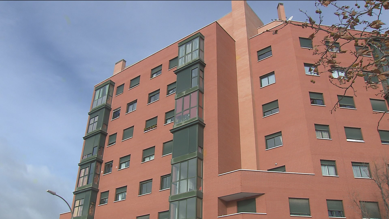 Los afectados por la venta de las viviendas del IVIMA urgen a la Comunidad a revertir la operación
