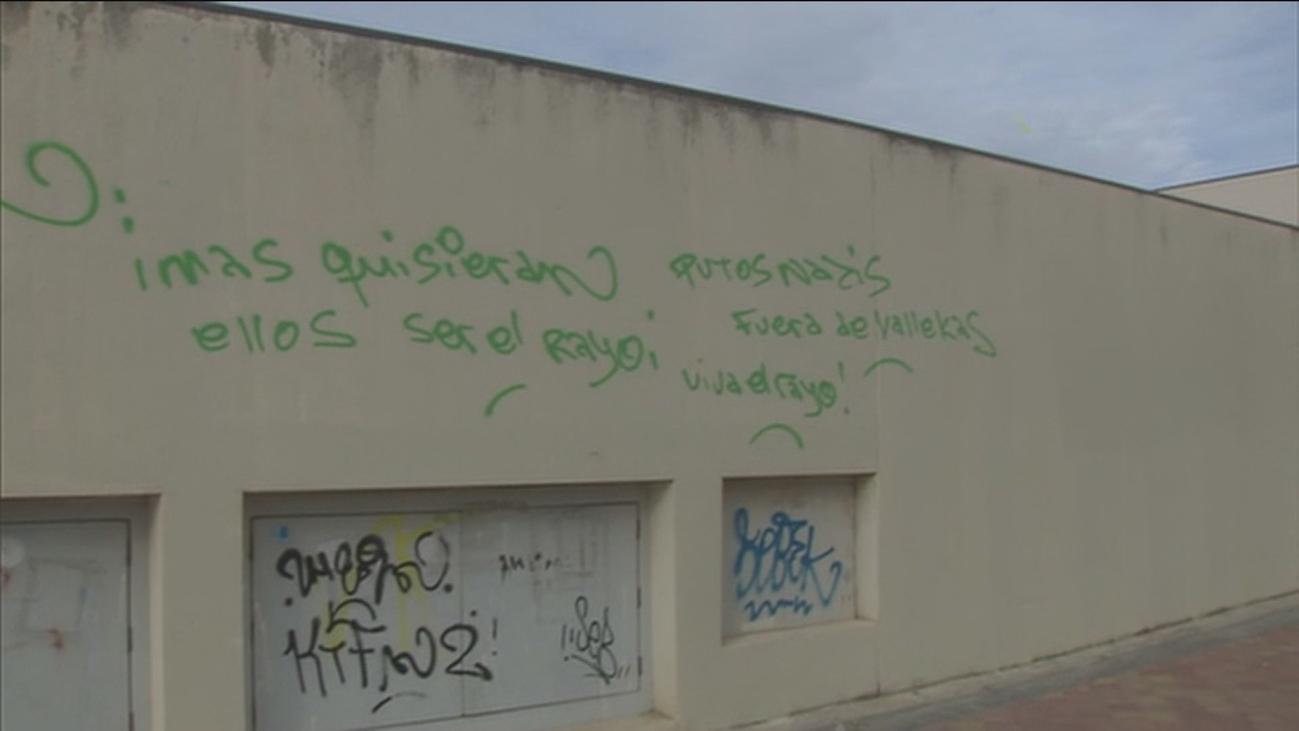 Vallecas rechaza los insultos ultras