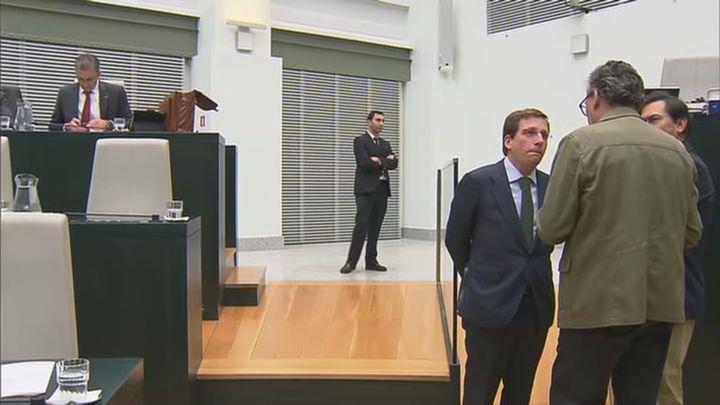 El Pleno de los presupuestos municipales de Madrid se retrasa al lunes para negociar con Vox