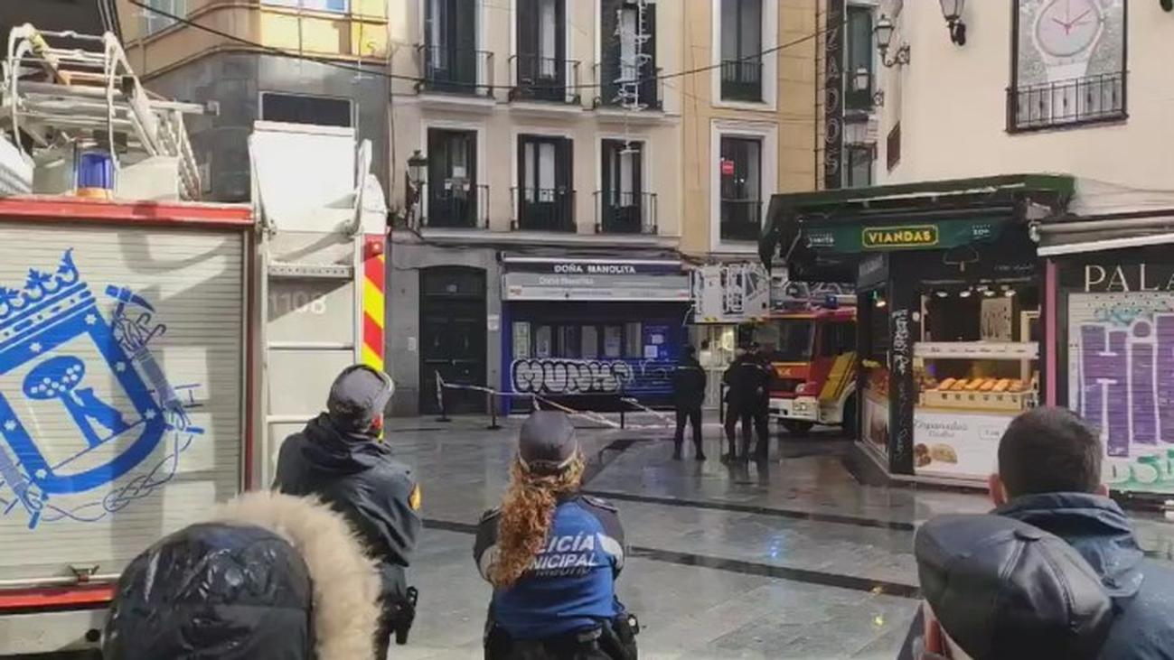 La caída de unos cascotes obliga a cerrar a Doña Manolita