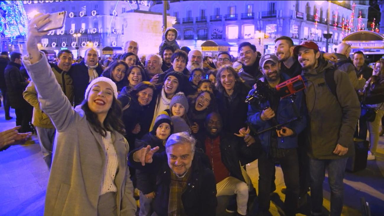 'Madrid es Navidad', el videoclip grabado por una decena de músicos callejeros de la Puerta del Sol