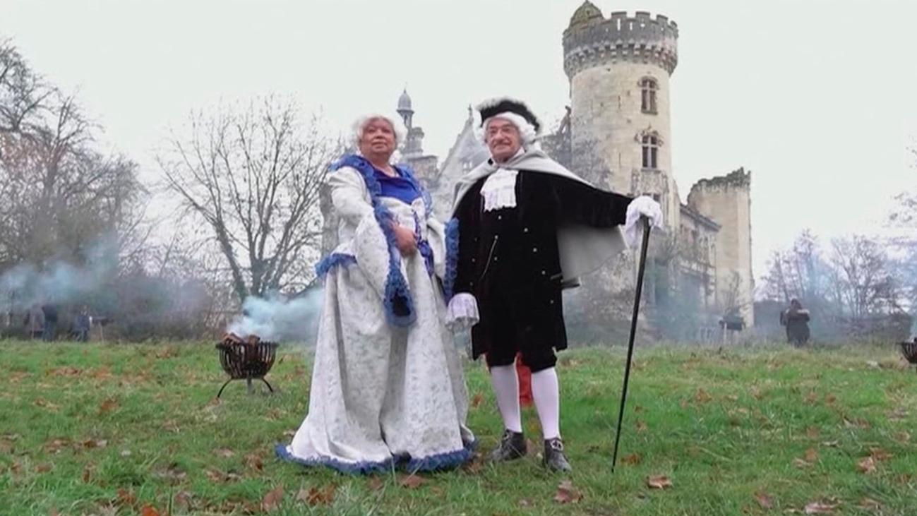 350 de los 18.000 copropietarios de un castillo francés celebran una gran fiesta