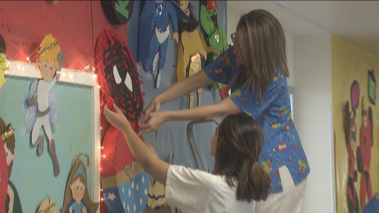 Navidades de superhéroes en el hospital Infanta Leonor