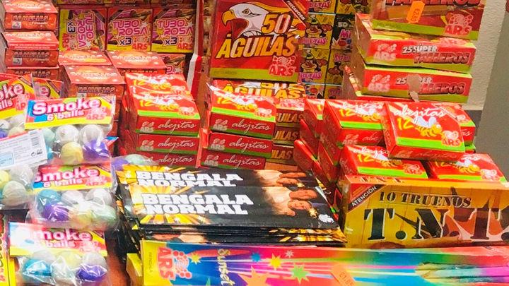 Intervienen 6.031 piezas de material pirotécnico en una tienda de alimentación de Fuencarral