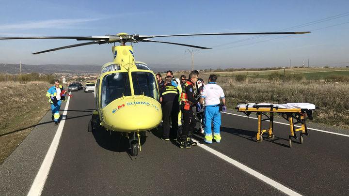 Un motorista sufre la amputación de parte de una pierna en Quijorna