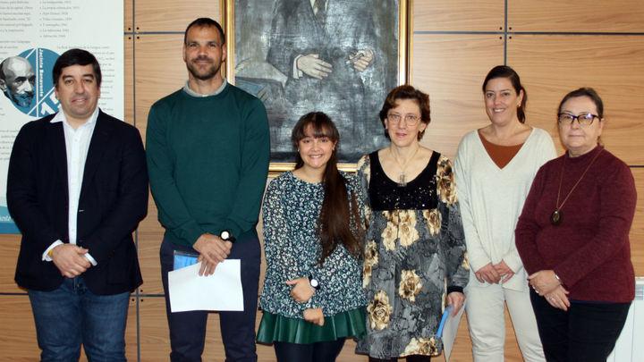 Galapagar entrega los premios del concurso '100 palabras contra la violencia de género'