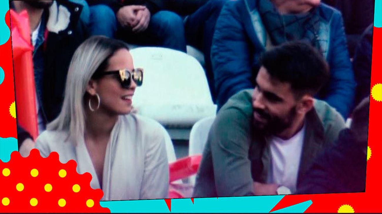Gloria Camila y su nuevo novio ¡se comen a besos!