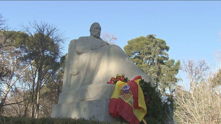 Académicos de la RAE continúan los homenajes a Pérez Galdós