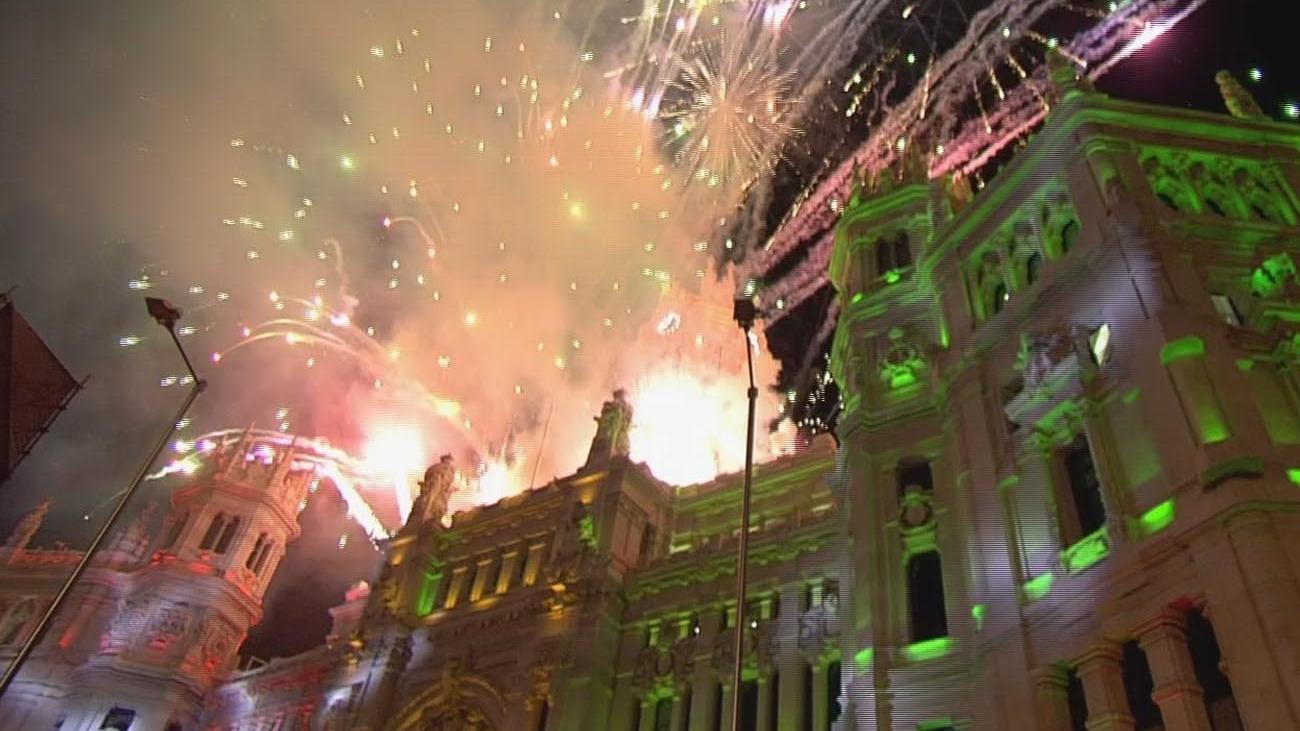 Un espectáculo pirotécnico pone el broche a la Cabalgata de Reyes de Madrid