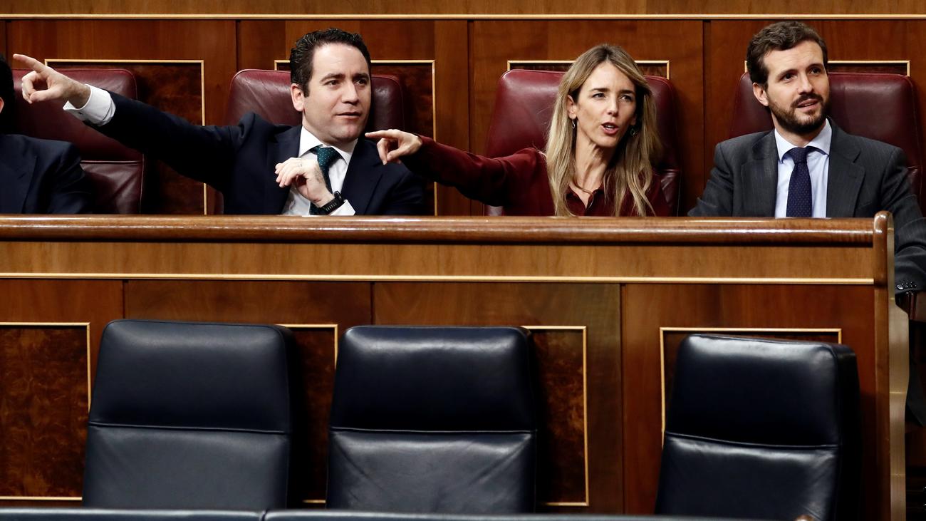 """Los partidos del 'no' critican a un Sánchez """"acobardado"""" ante las exigencias independentistas"""