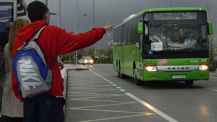 Los conductores de Alsa retoman la huelga de autobuses en la Sierra Oeste