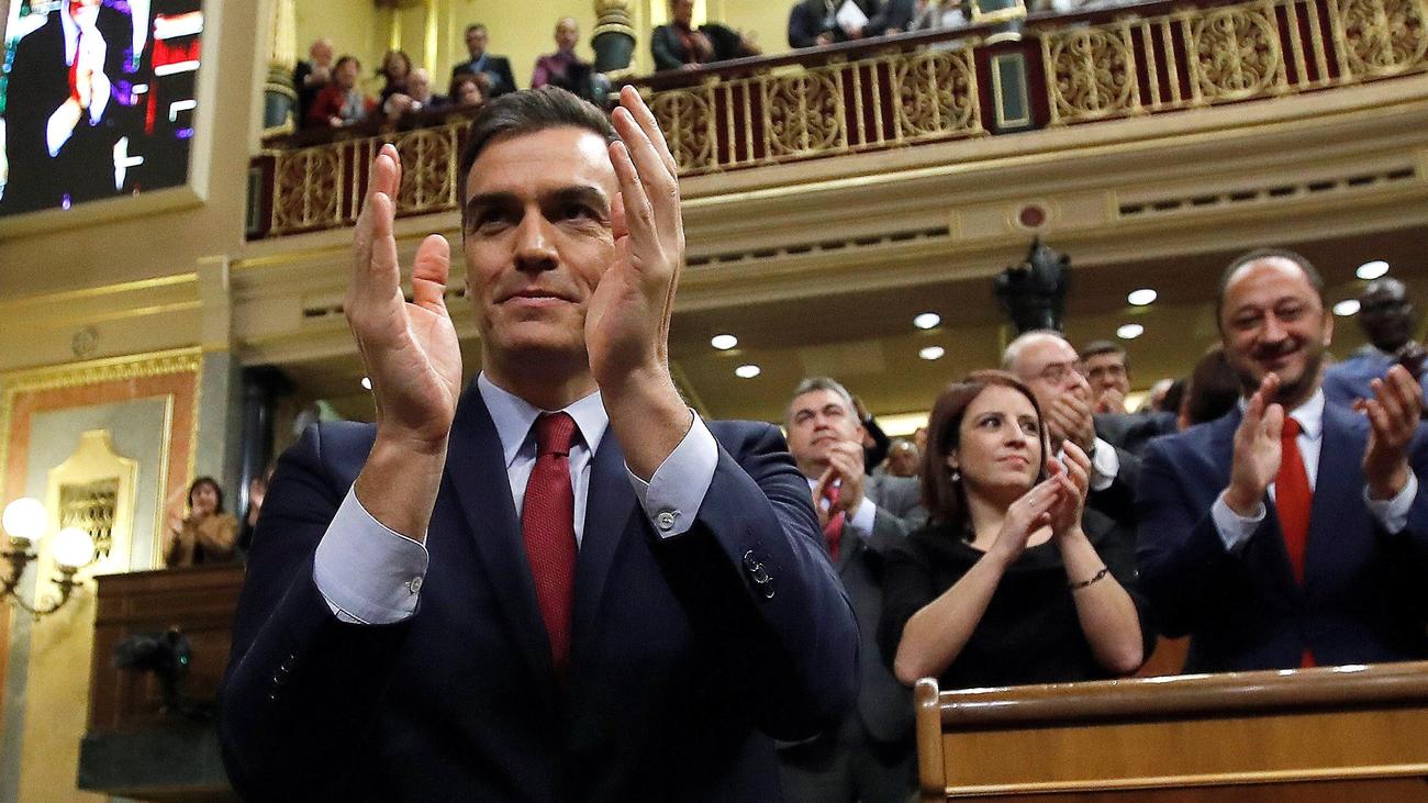 Pedro Sánchez es investido presidente del Gobierno con 167 síes y 165 noes