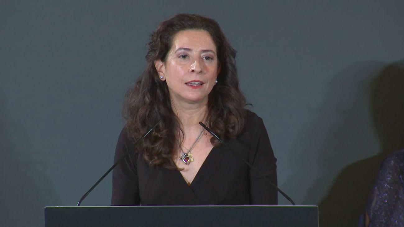 """Ana Merino: """"La literatura es lo que nos hace permanecer"""""""