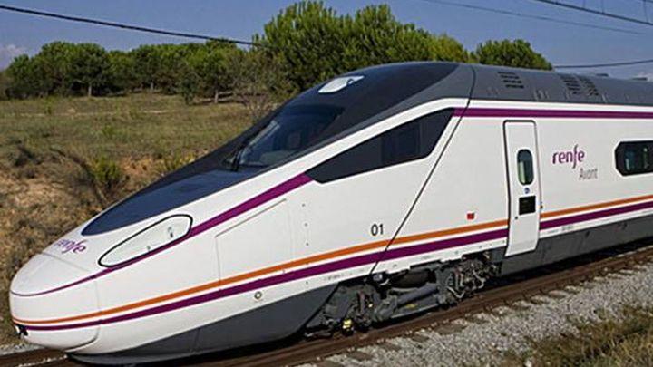 Renfe reduce a la mitad su oferta de trenes y vende solo un tercio de las plazas en cada uno de ellos