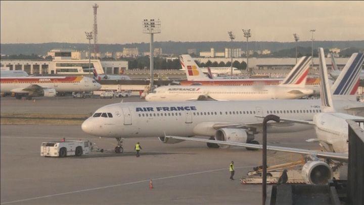 Hallan muerto a un niño en el tren de aterrizaje de un vuelo Abiyán-París