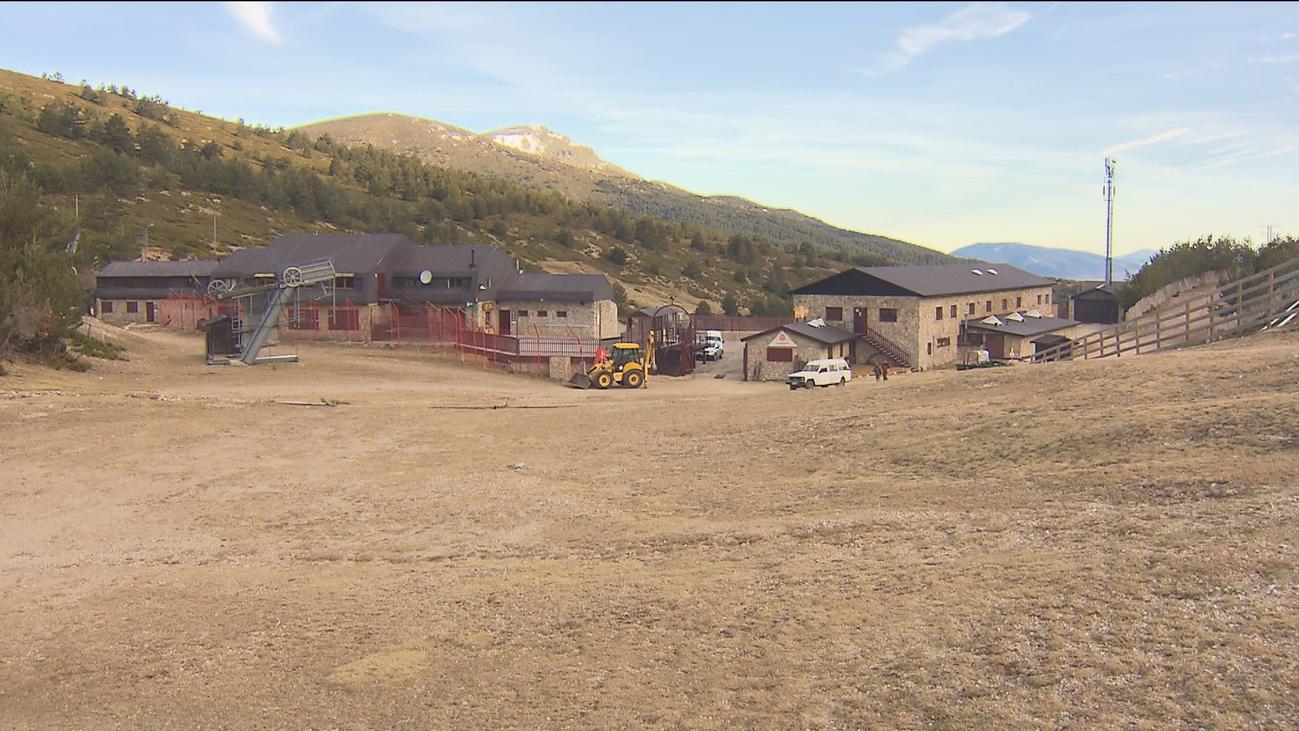 Preocupación en las estaciones de esquí de Madrid por la falta de nieve