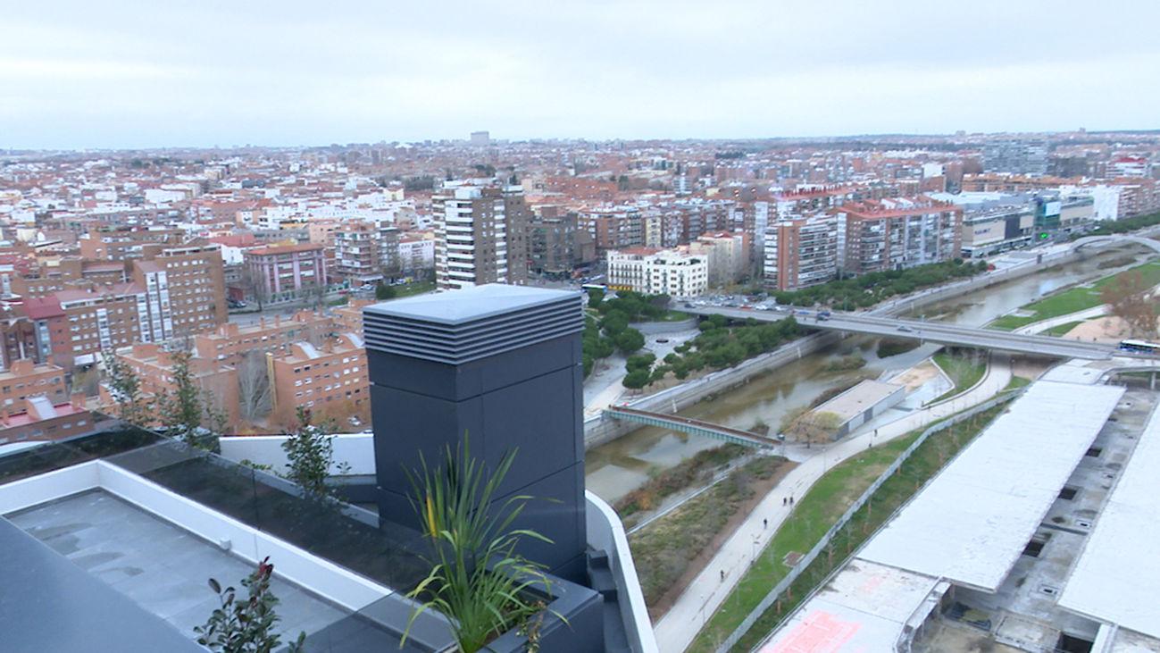 El sur de Madrid estrena su primer rascacielos a orillas del Manzanares