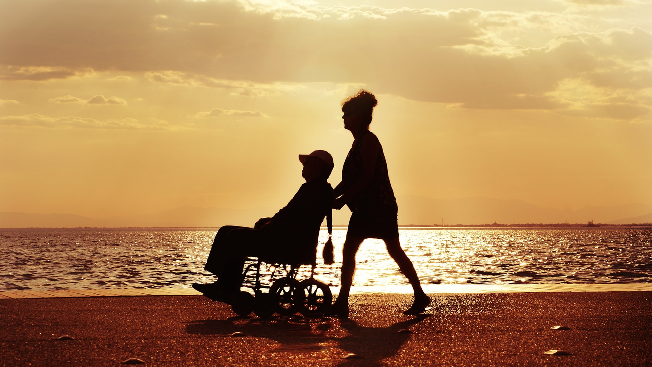 Cuidar de un familiar dependiente puede generar depresión o ansiedad
