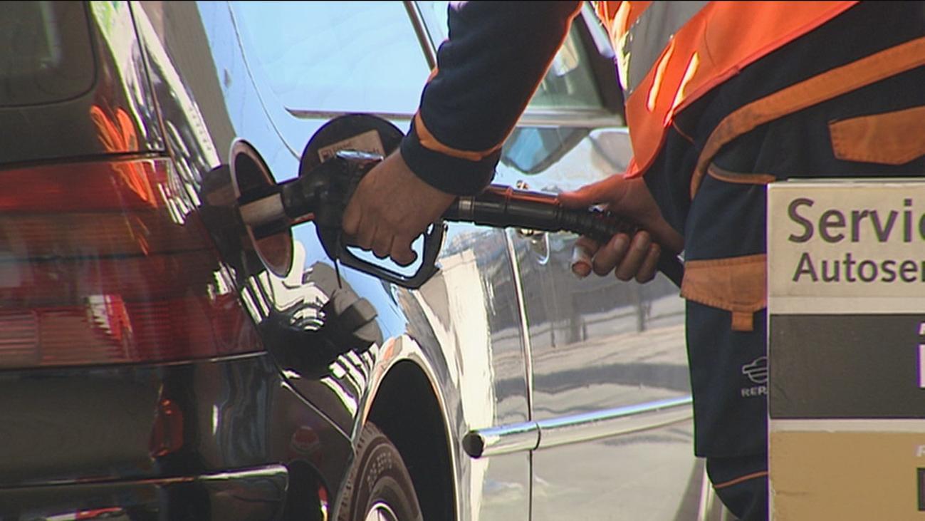 Los combustibles arrancan el año en máximos ante la subida del petróleo