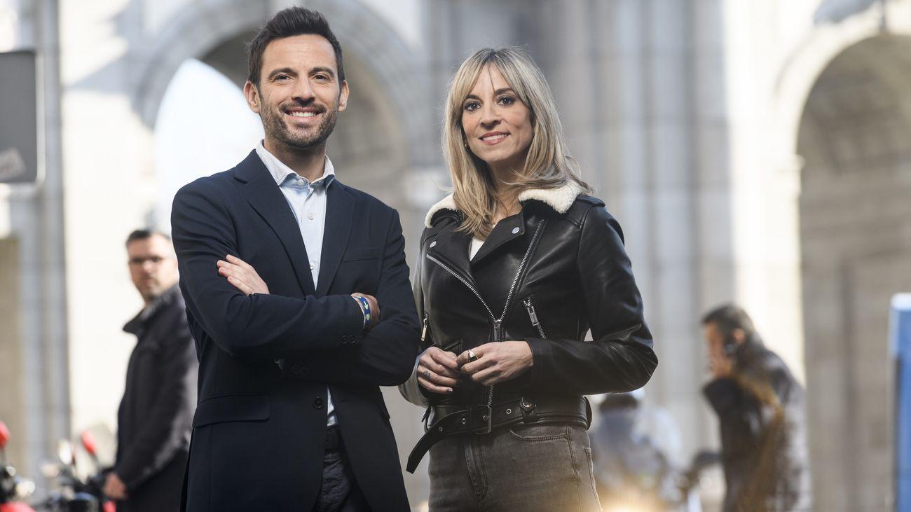 Manu Pérez y Rebeca Marín presentan 'La Solución'.