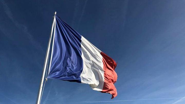 Ofertas de empleo en Francia para operadores cárnicos y Disneyland