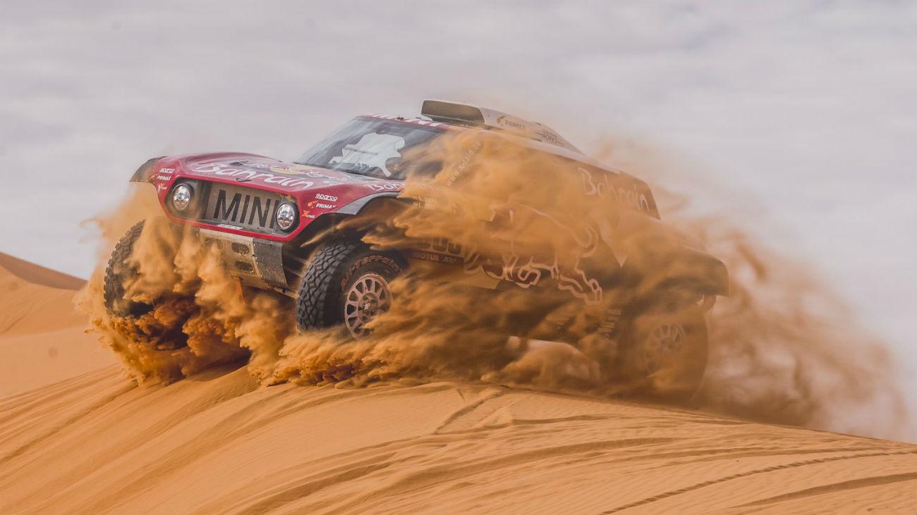 Sainz salva el liderato del Dakar por los pelos
