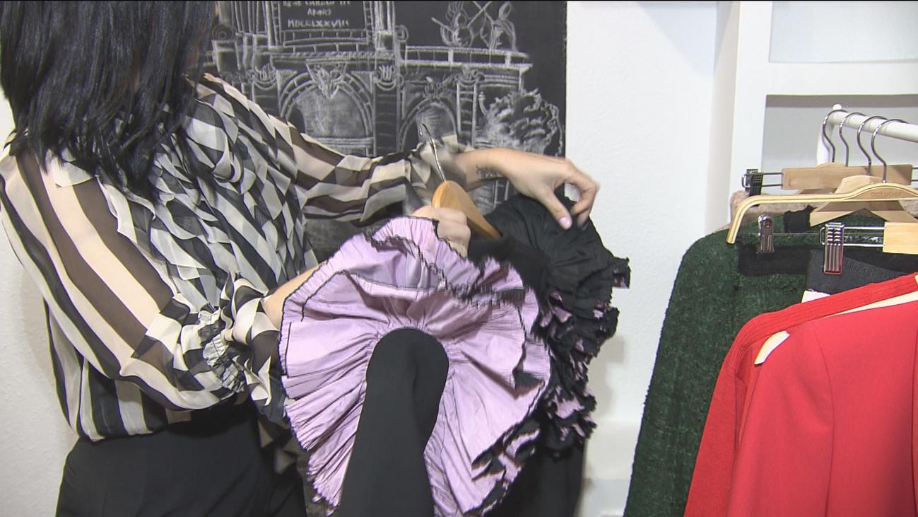 Compartir ropa y alquilarla, una moda en auge