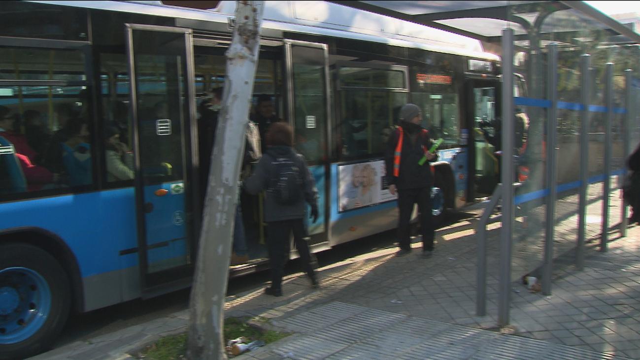 Normalidad en el servicio alternativo de autobús por el cierre de la línea 4