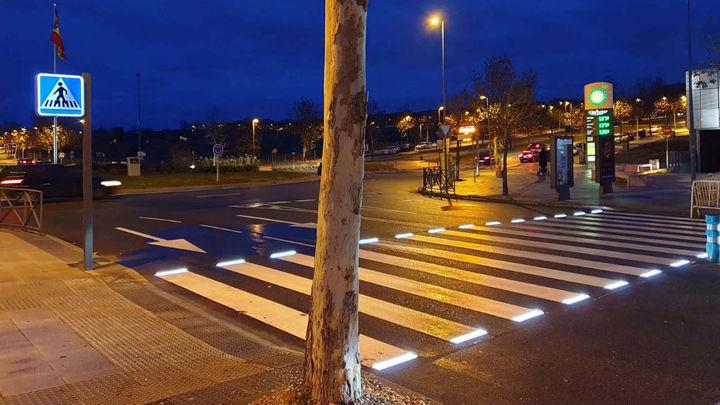 La Comunidad mejora la iluminación de pasos de peatones peligrosos en la Sierra