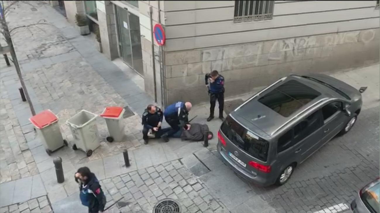 Persecución policial en el centro de Madrid que acabó gracias a un bolardo