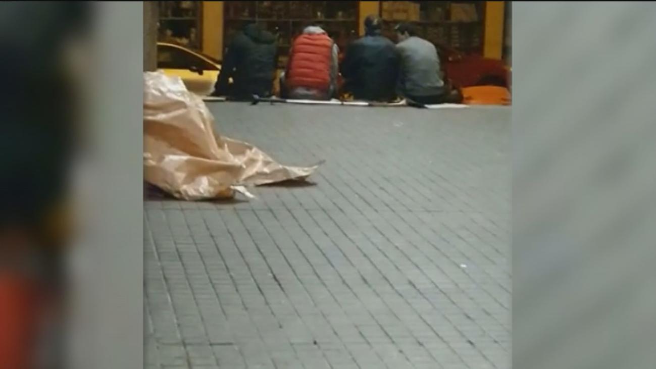 Vecinos de Bravo Murillo denuncian problemas con un grupo de indigentes