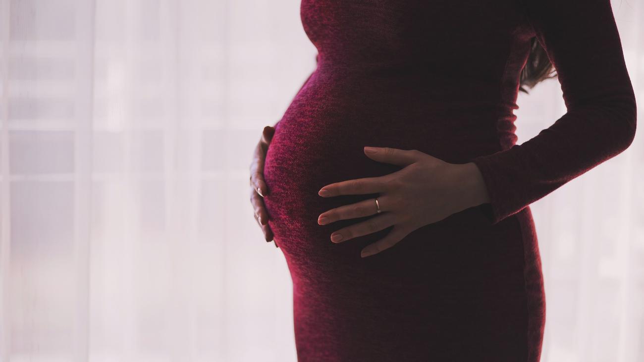 La compatibilidad de quedarse embarazada y el cáncer de mama
