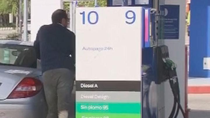 El precio de la gasolina y el gasóleo se dispara y es un 11% más caro que hace un año