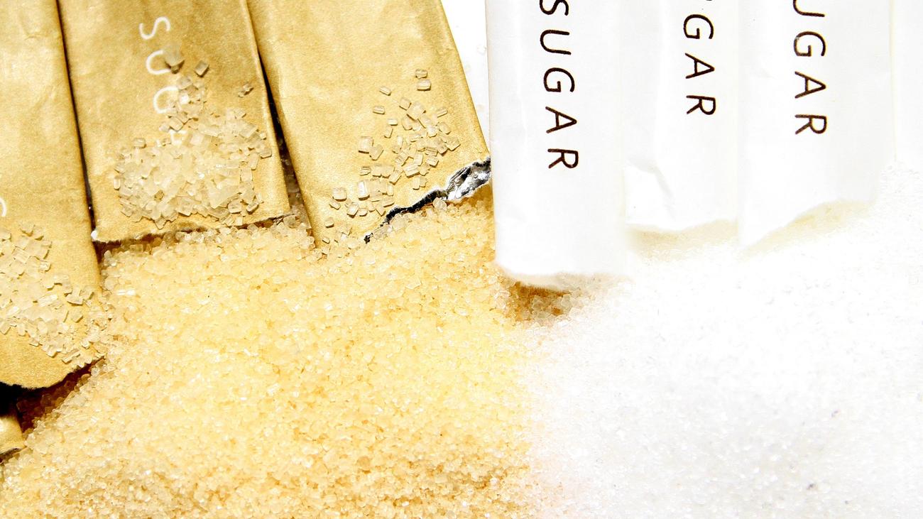 ¿Es cierto que el azúcar moreno es más saludable que el azúcar blanco?