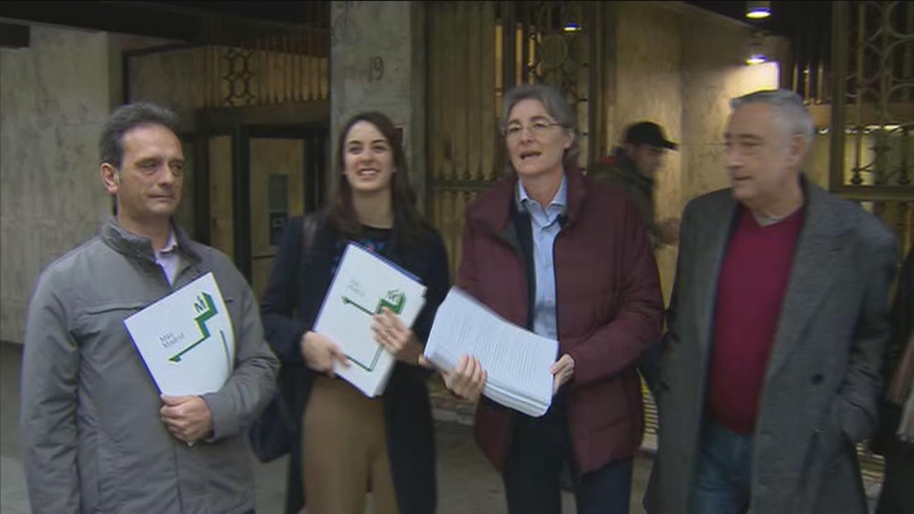 Más Madrid pide al juez frenar ya la llegada de más basura del Este a Valdemingómez