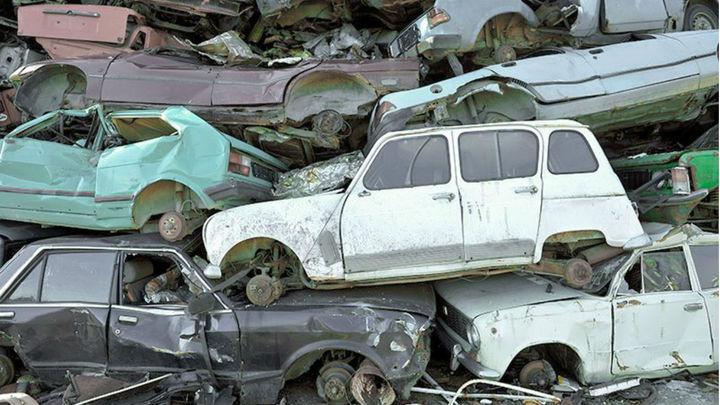 Fuenlabrada retira 106 vehículos abandonados dentro de la campaña 'La calle no es un desguace'