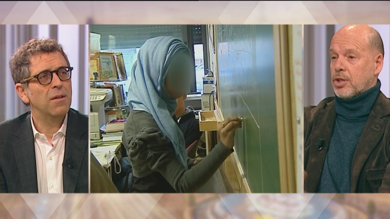 ¿Prohibirías el velo en los colegios?