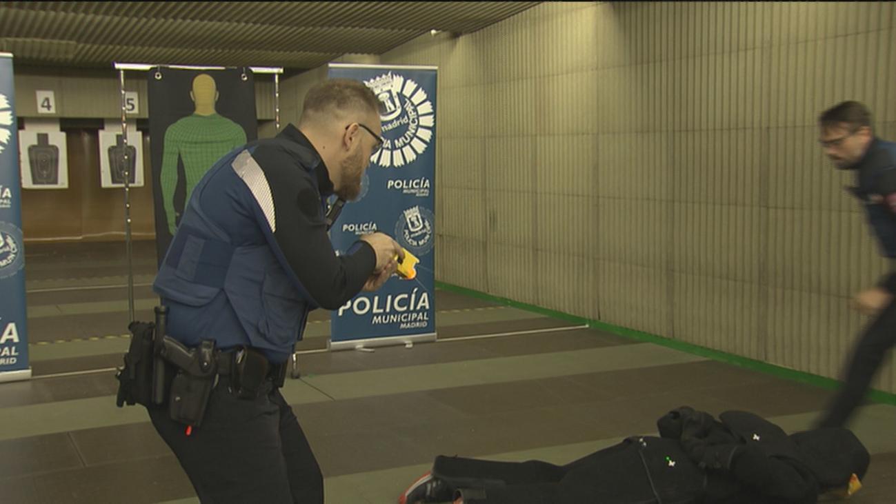 La Policía Municipal de Madrid se prepara para usar en breve las pistolas táser