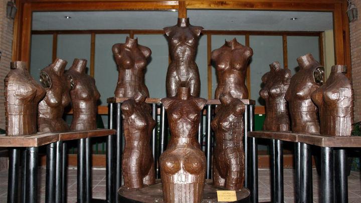 Morata de Tajuña expone esculturas hechas con metralla de la Batalla de Jarama