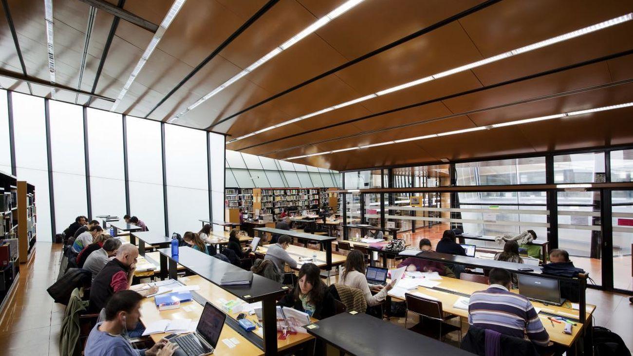El Ayuntamiento comprará los libros de las bibliotecas municipales en las librerías de Madrid