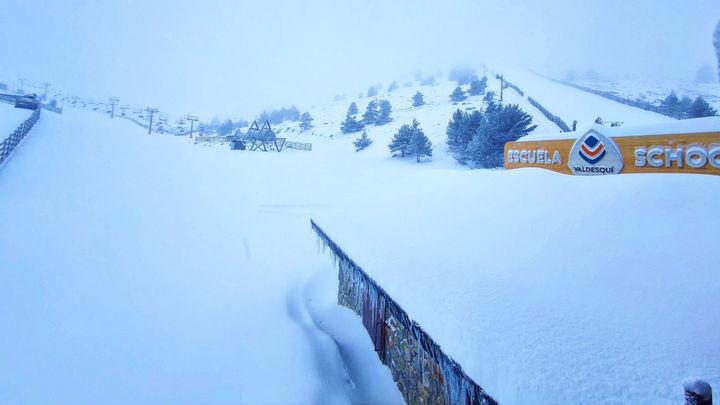 Valdesquí abre este viernes tras las últimas nevadas
