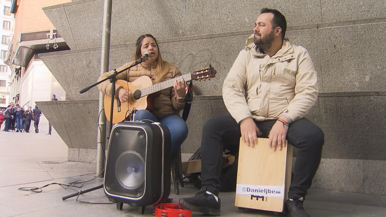 Los músicos callejeros, ¿arte o ruido?