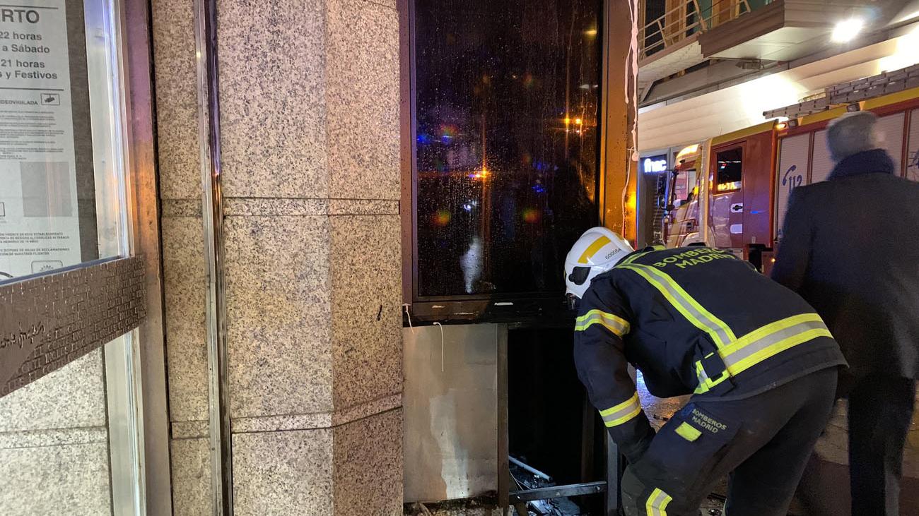 El fuego que obligó a desalojar El Corte Inglés de Callao se originó en un cuarto de mantenimiento exterior