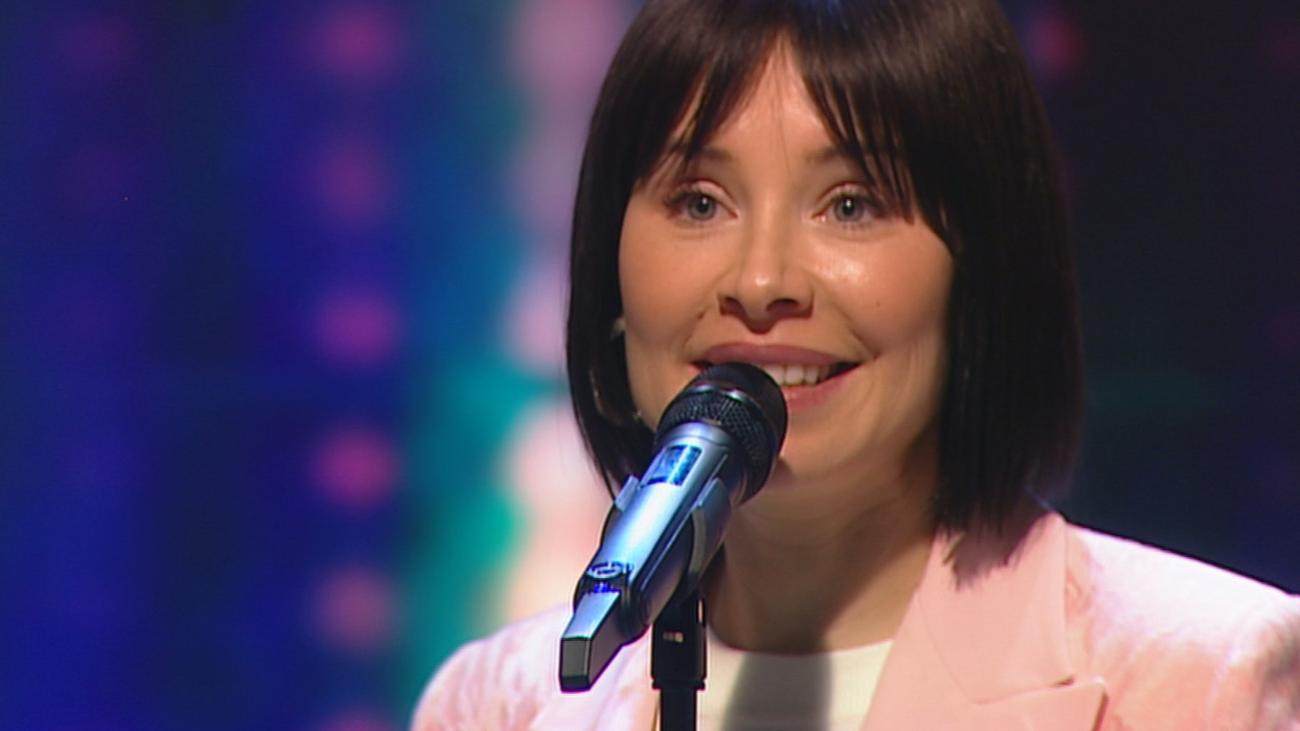 Soraya canta en directo su nuevo single 'Gimme de tu amor'